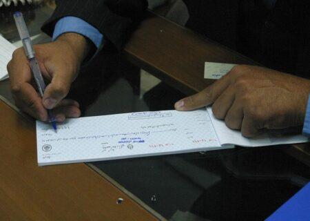 سرنوشت اجرای قانون جدید چک در ۱۴۰۰ / زمزمه سنگاندازی برخی بانکها